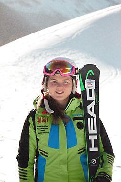 Skilehrerin Lara